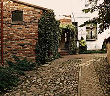 地面上的小房子