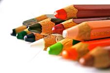 学生用笔学习文化知识